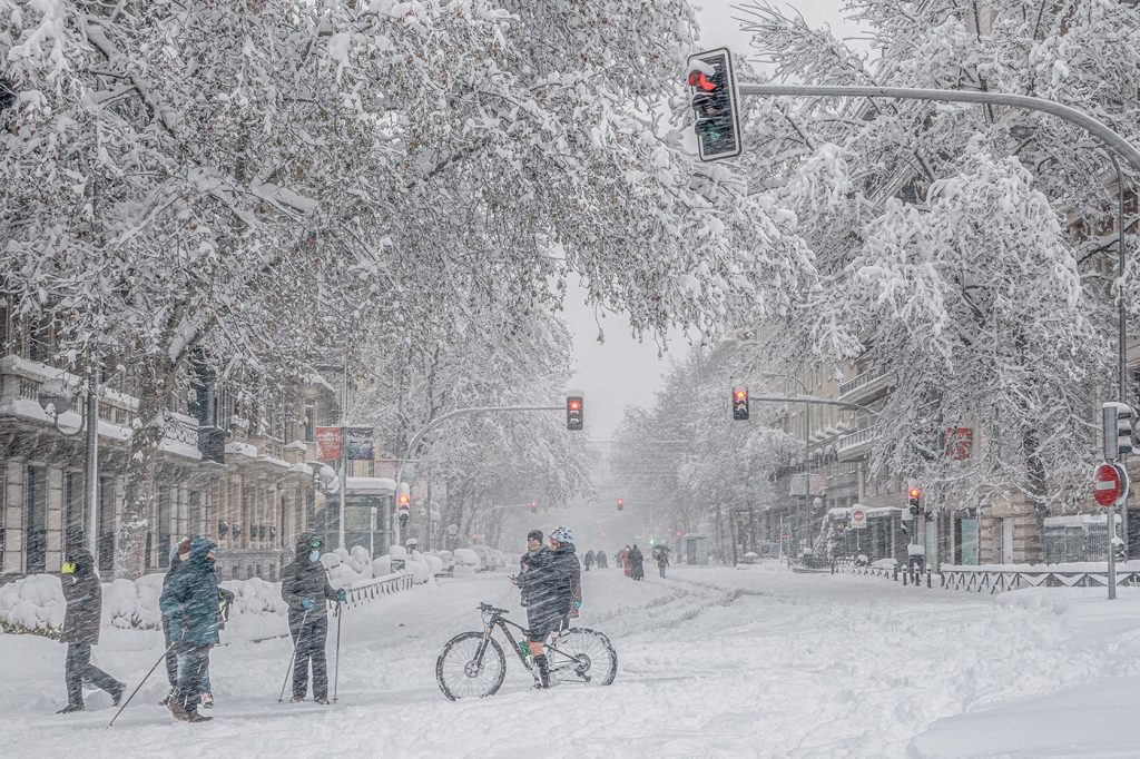 Calle Velazquez nevada Filomena, Madrid, por Adolfo Gosálvez. Venta de Fotografía de autor en edición limitada. AG Shop