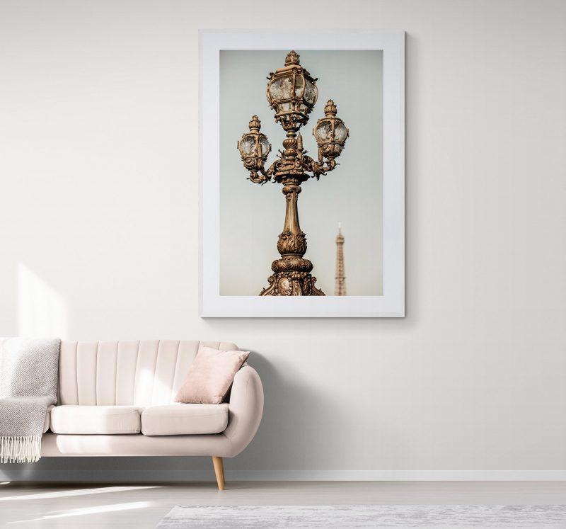 Farola con Torre Eiffel de fondo en París, por Adolfo Gosálvez. Venta de Fotografía de autor en edición limitada. AG Shop