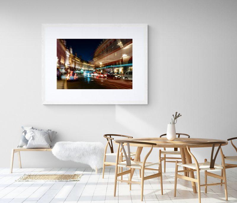 Vista nocturna Regent Street, Londres, por Adolfo Gosálvez. Venta de Fotografía de autor en edición limitada. AG Shop