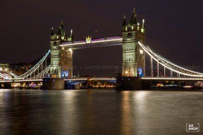 Vista nocturna del London Bridge en Londres, por Adolfo Gosálvez. Venta de Fotografía de autor en edición limitada. AG Shop