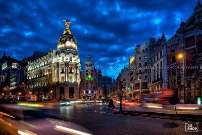 Edificio Metrópolis por la noche en Madrid, por Adolfo Gosálvez. Venta de Fotografía de autor en edición limitada. AG Shop