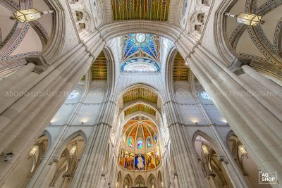 Interior Catedral Nuestra Señora de la Almudena, Madrid, por Adolfo Gosálvez. Venta de Fotografía de autor en edición limitada. AG Shop