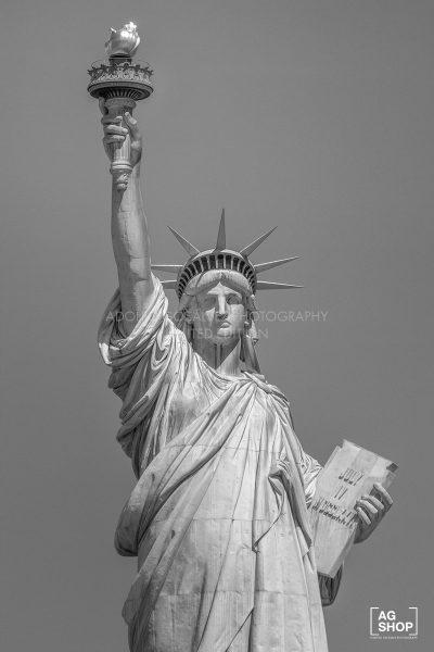 Estatua de la Libertad, Nueva York, blanco y negro, por Adolfo Gosálvez. Venta de Fotografía de autor en edición limitada. AG Shop