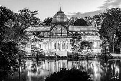 Palacio de Cristal nocturna en el Parque del Retiro, blanco y negro, por Adolfo Gosálvez. Venta de Fotografía de autor en edición limitada. AG Shop