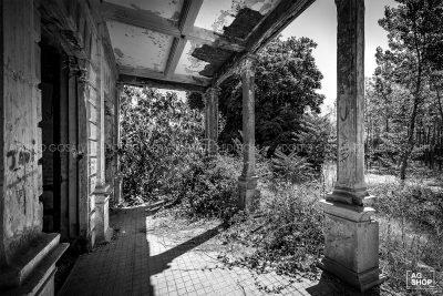 Palacio de los Gosálvez. Arquitectura abandonada por Adolfo Gosálvez. Venta de Fotografía de autor en edición limitada. AG Shop