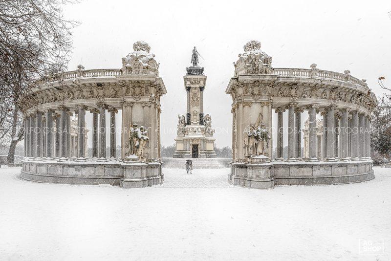 Filomena. Madrid Nevado. Monumento a Alfonso XII en el Parque del Retiro por Adolfo Gosálvez. Venta de Fotografía de autor en edición limitada. AG Shop