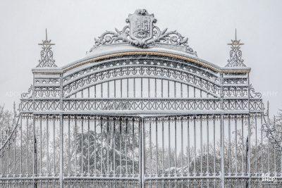Filomena. Madrid Nevado. Puerta del Parque del Retiro por Adolfo Gosálvez. Venta de Fotografía de autor en edición limitada. AG Shop