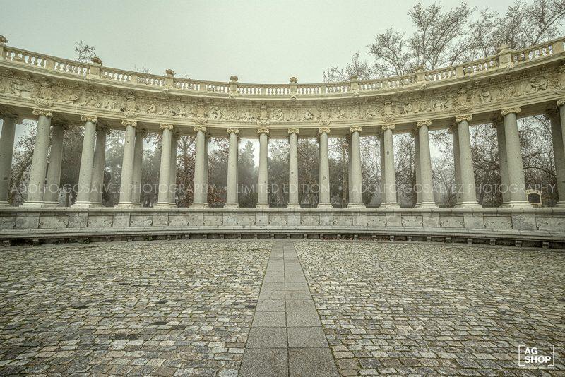 Retiro con niebla. Monumento a Alfonso XII por Adolfo Gosálvez. Venta de Fotografía de autor en edición limitada. AG Shop