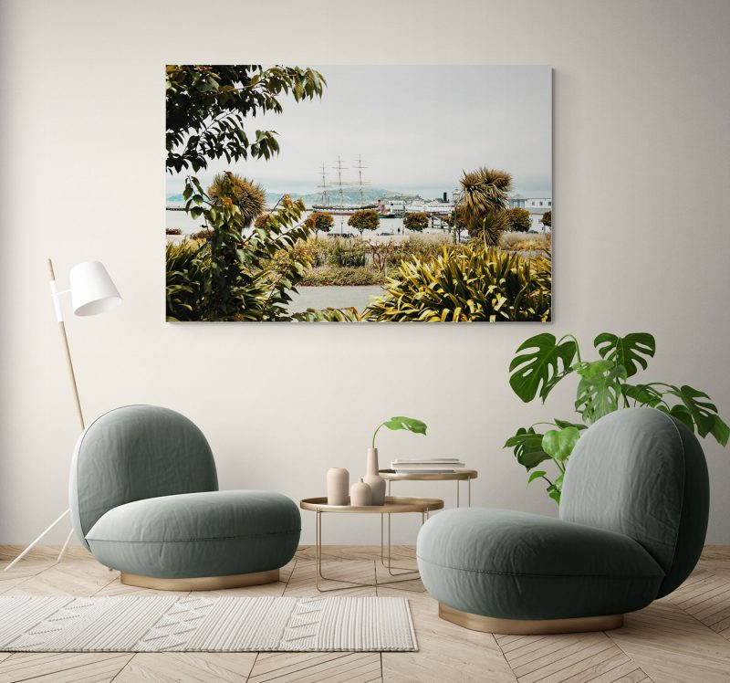 Velero en la Bahía de San Francisco con Alcatraz al fondo, por Adolfo Gosálvez. Venta de Fotografía de autor en edición limitada. AG Shop